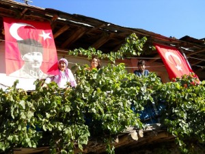 flags-and-family-at-bayram-holiday