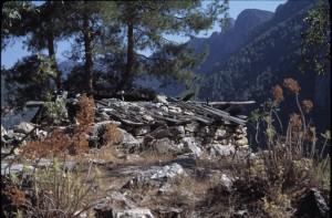 kuzdere-abandonedhut1