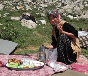 shepherd-girl-preparing-food-food1